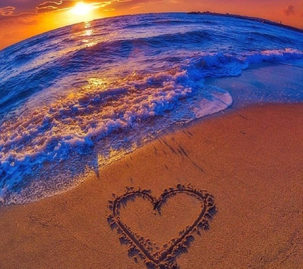 Love-Wallpaper-heart-sea- Wallpaper Background
